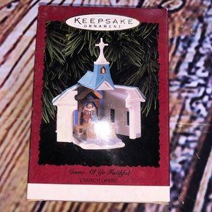 Hallmark 1996 church opens keepsake
